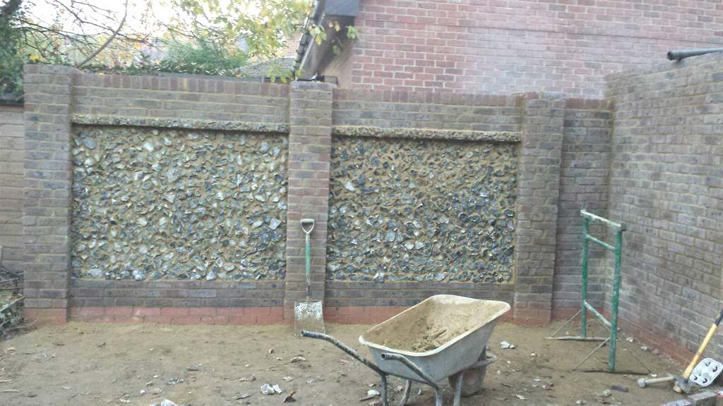 Brickwork fences – natural stone – 020
