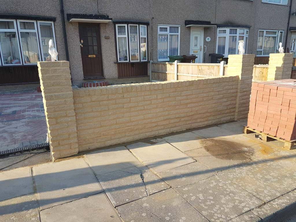 Brickwork fences – brick 120